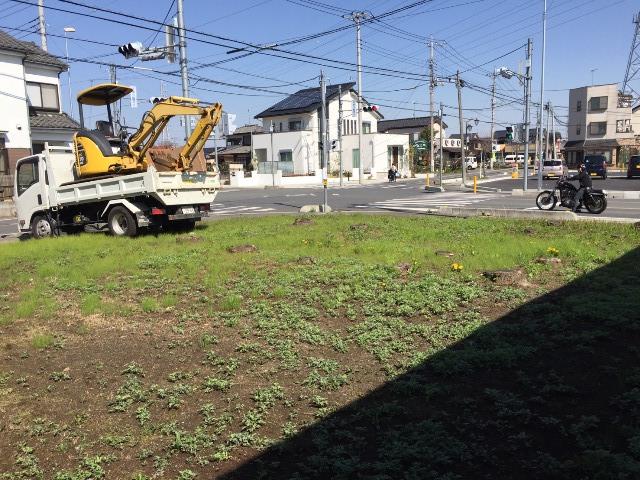 埼玉県東松山市元宿の樹木抜根撤去と整地工事の工事風景01