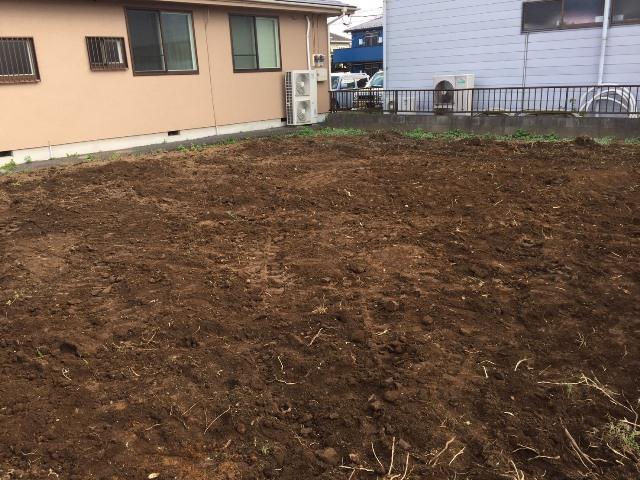 埼玉県東松山市元宿の樹木抜根撤去と整地工事の工事風景04