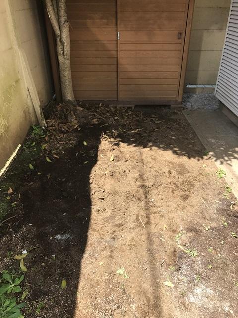 庭石の処分(庭石の解体撤去)の工事-東京都練馬区石神井台の自然石(庭石)と砂利の回収処分工事の作業完了