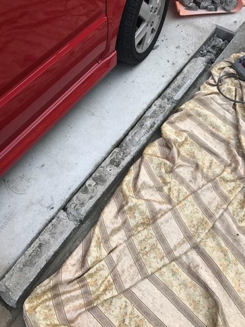 神奈川県茅ヶ崎市赤羽根-駐車場の境界線ブロック塀の斫り解体撤去と基礎撤去工事の施工風景05
