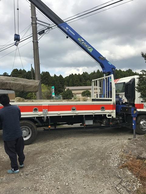 千葉県香取市吉原-御影石の石柱と大沓脱石の回収処分と撤去工事の工事風景09