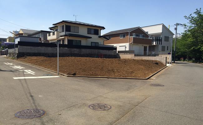 空家の解体工事が完成して更地になった土地2