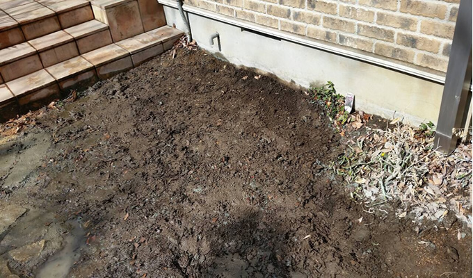 庭石 - 大きな庭石(自然石)の解体工事完了