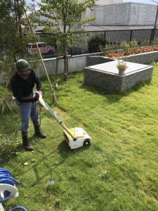 芝刈り 芝刈り工事風景