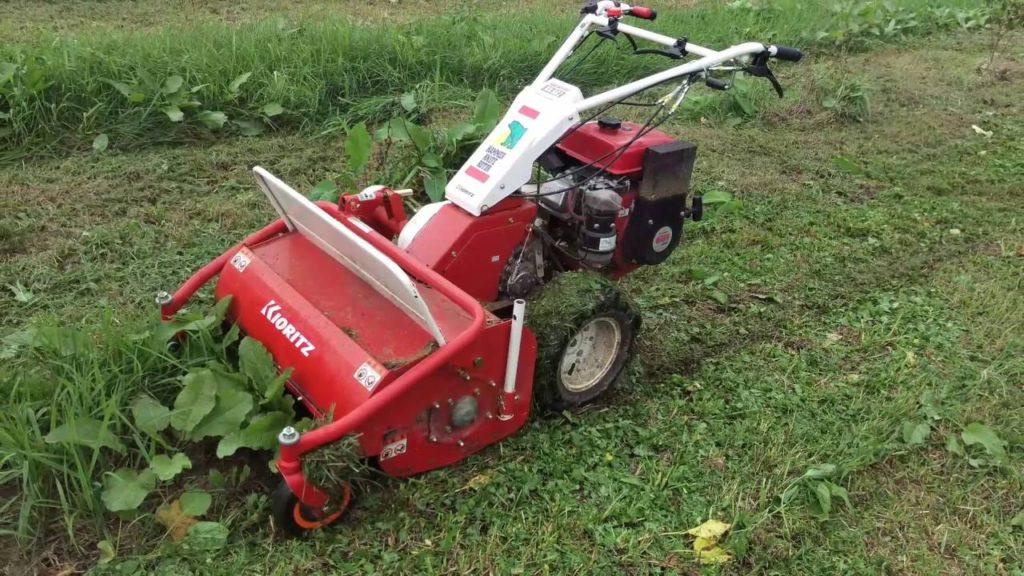 草刈り機械(ハンマーナイフモアの実物画像)
