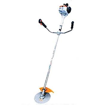 人力で草刈りを行う際の草刈り機(スティール)の写真